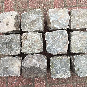 V108, Natuursteen, Porfier
